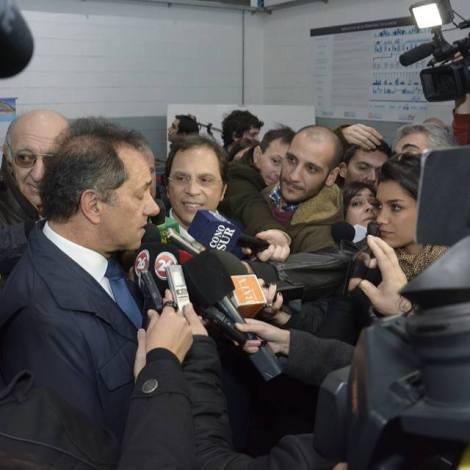 Rueda de prensa con el pre candidato a Presidente de la Nación, Daniel Scioli.